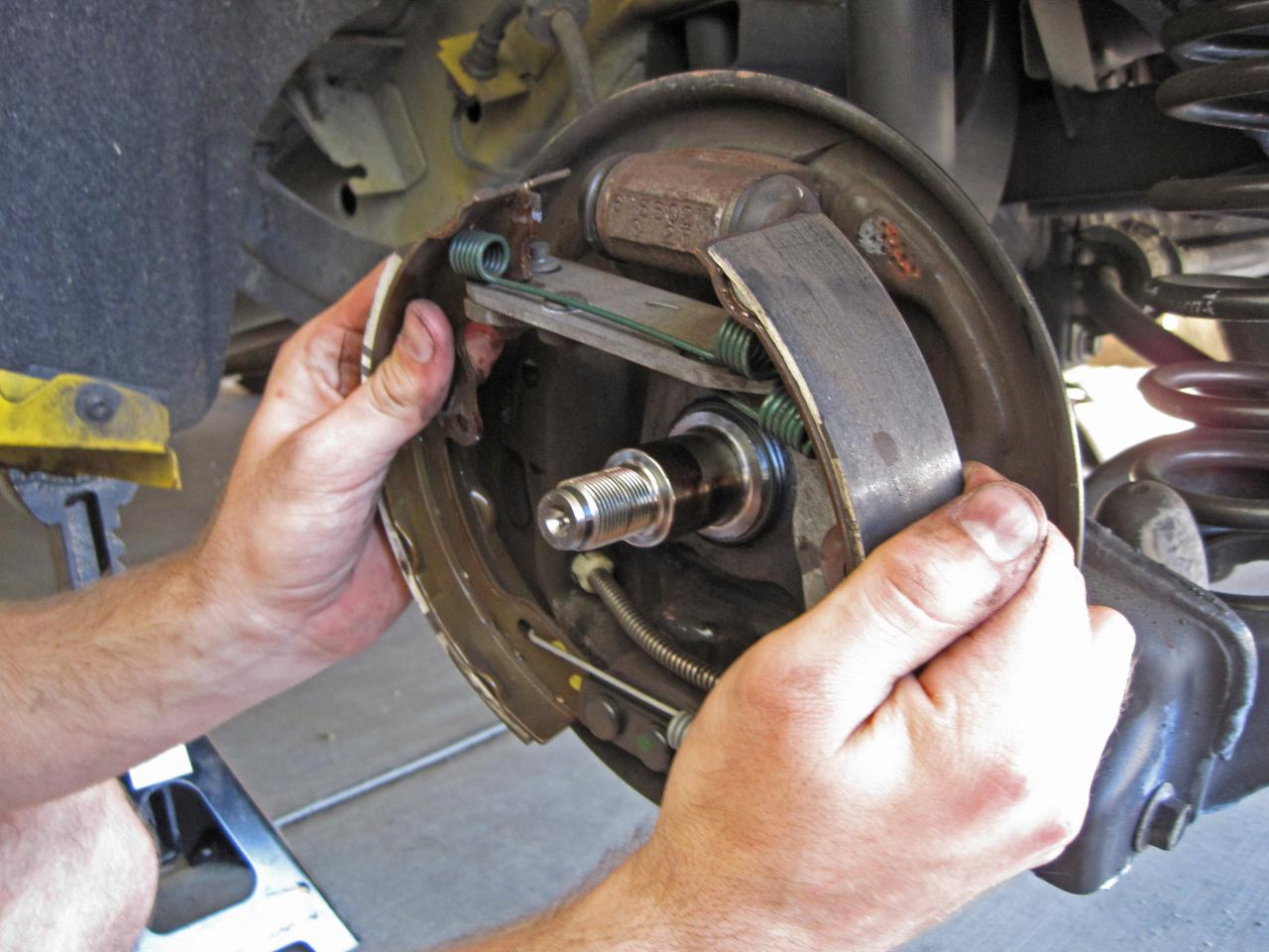 2005 2007 Ford Focus Brake Shoes Replacement
